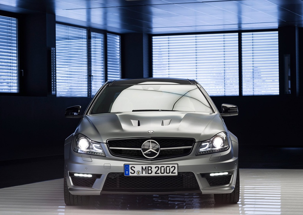 Mercedes top models in pakistan with price average mileage for Mercedes benz highest price
