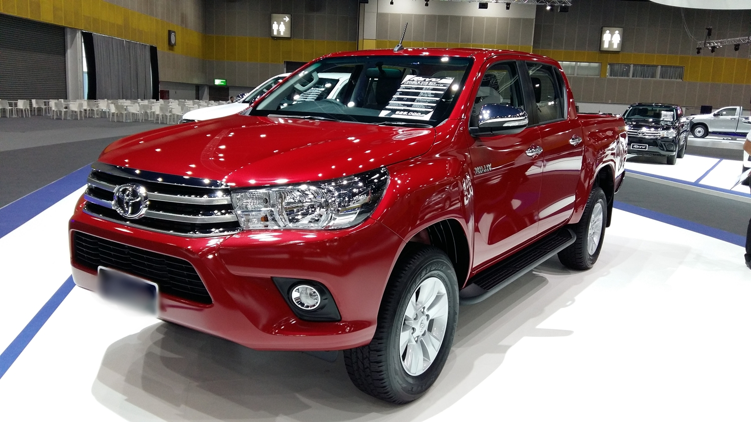 Toyota Hilux 4x4 Double Cab Standard 2018 Model Features